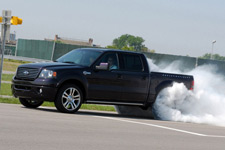 Supercharged Ford F-150 Harley-Davidson: быстрее «молнии»